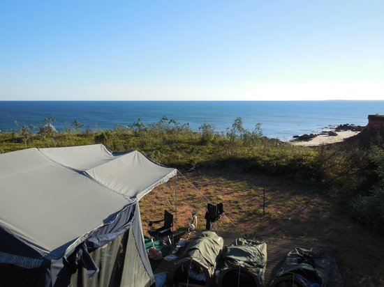 Goombaragin Eco Retreat: 180 degree view over Pender bay from our camper