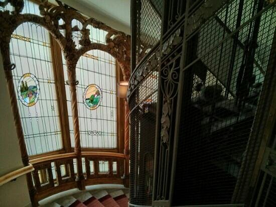Hotel Diplomat : elevator