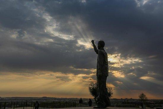 Naval Hill: Mandela Statue