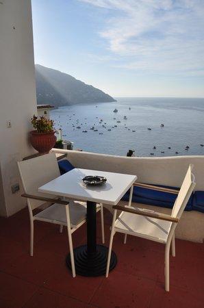 La Casa di Peppe Guest House & Villa : Table ready for you