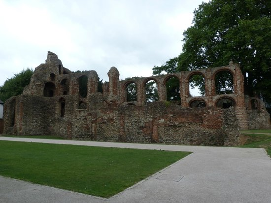 ‪St. Botolph's Priory‬