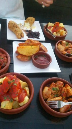 Tapas Restaurant & Lounge Bar : Different tapas