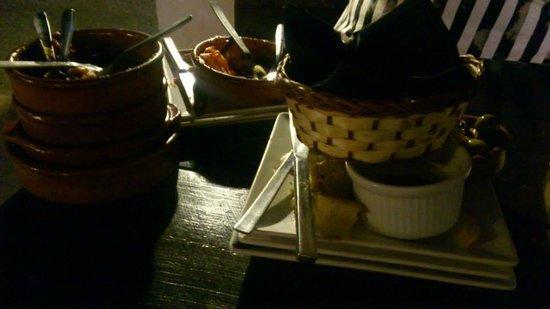 Tapas Restaurant & Lounge Bar : clean plates