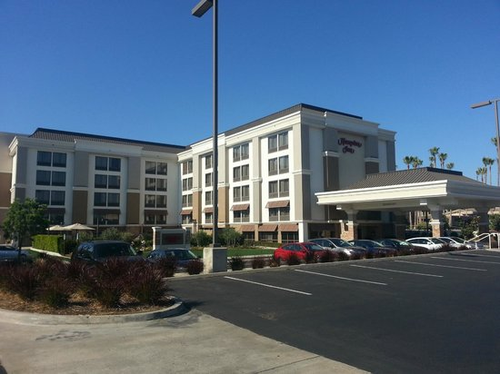 Hampton Inn San Diego - Kearny Mesa: Fachada do hotel