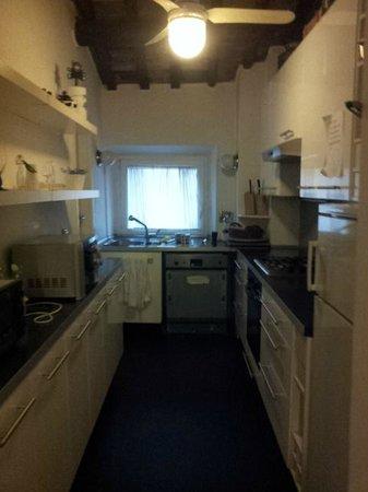 Rome Accommodation B&B : A cozinha do apartamento