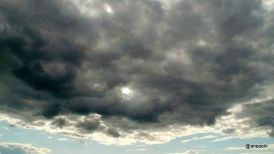 Novosibirsk Oblast, Russie : Тучи сгустились над небом