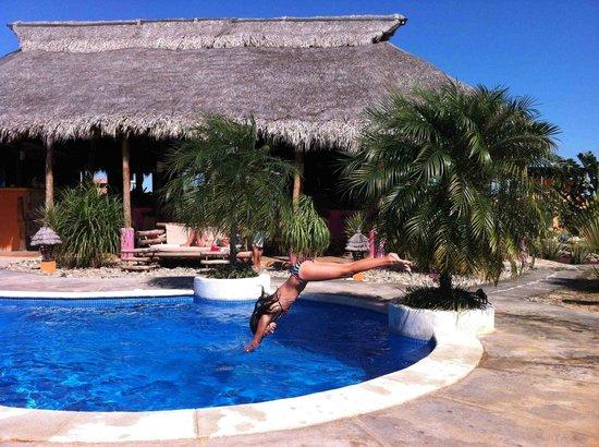 Buena Onda Beach Resort : Plouf !
