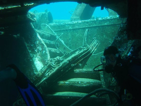 El Tour Caribe -  Tours : Atlantic Princess wreck ~ some of the best scuba diving in the Dominican Republic