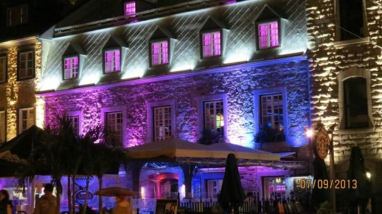 """Savini Resto-Bar Vinotheque : A """"Stand-Out"""" on Grand Allee Est"""