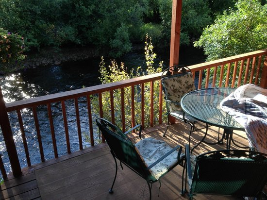 Paradise on the River : Brookside - Deck