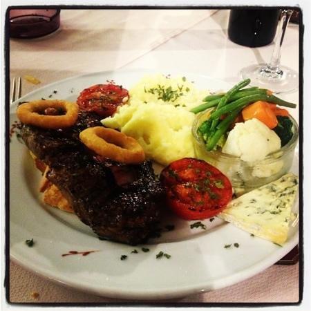 Cala Luna Restaurant: my tasty steak!