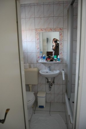Hotel zur Riede: Ванная