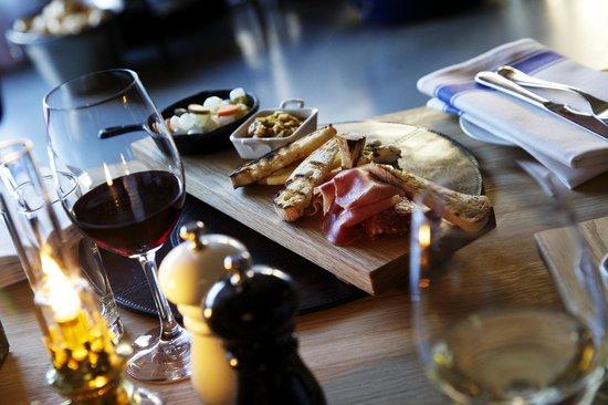 كلاريون هوتل جيليت: Kitchen & Table by Marcus Samuelsson