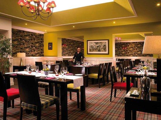 Horse & Jockey Hotel: Silks Restaurant