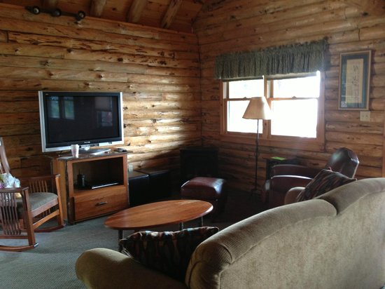 The Lodges at Cresthaven: Living Room