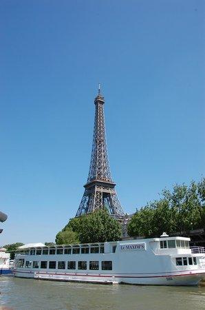 Paris 'Musts' - City Tour, River Seine Cruise and Lunch : Lunch on a River Seine Cruise in Paris