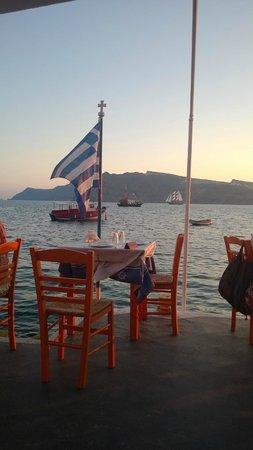 Taverna Katina: Im Hafen von Ammoudi