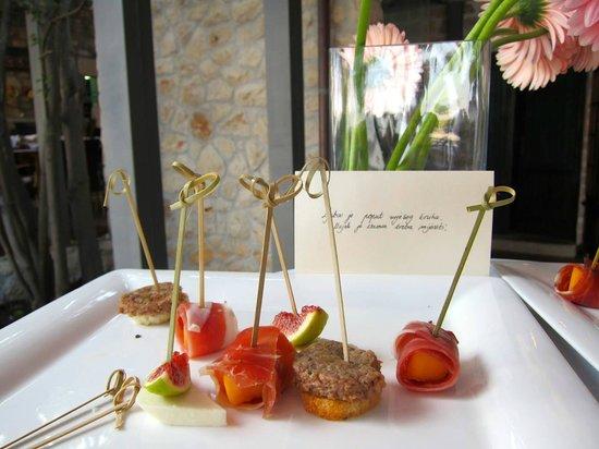 Zori Restaurant: pic 2