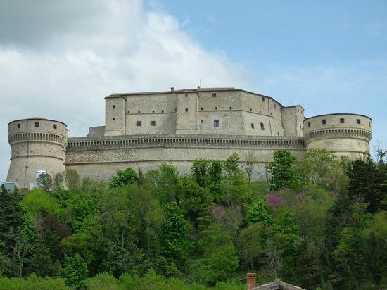 La Fortezza vista dal Borgo di San Leo