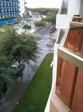 Hotel & Spa Beverly Park: Uitzicht vanaf het balkon van kamer 221