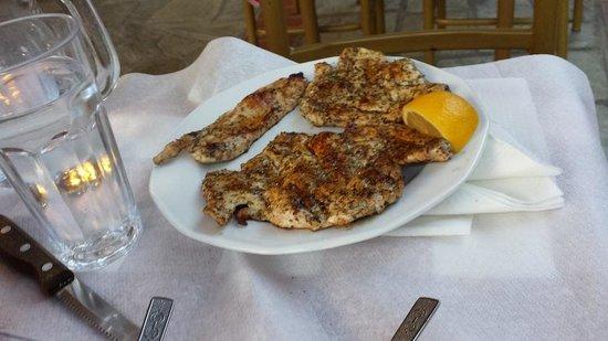 Taverna tou Zioga : dry chicken with way too much oregano