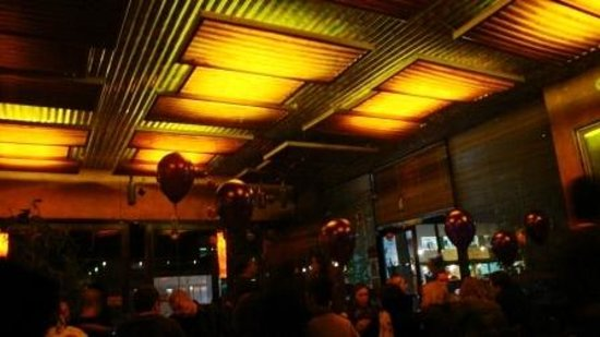 Lala's : Great atmosphere