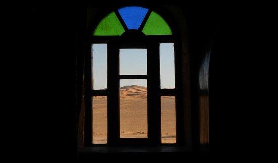 Hotel Nomad Palace : Vista del deserto dalla finestra della camera