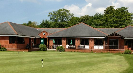 Southport Old Links Golf Club: View of Clubhouse in Sunny June