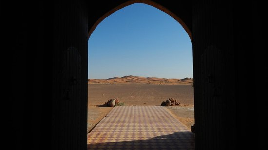 Hotel Nomad Palace: Porta che da sul deserto