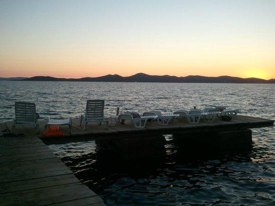 Pine Beach Pakostane : tramonti stupendi