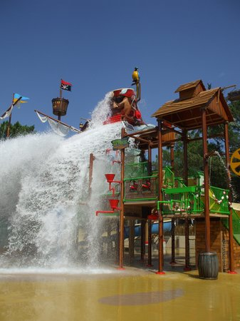 Camping de la Cote d'Argent : The 'Pirate' water park