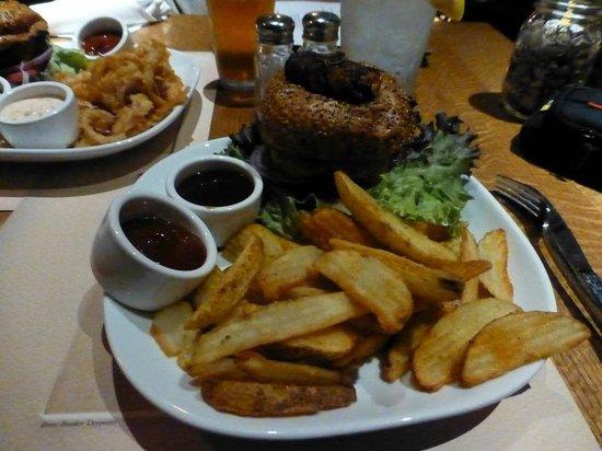 Ranch and Reata Road House : Burger sec