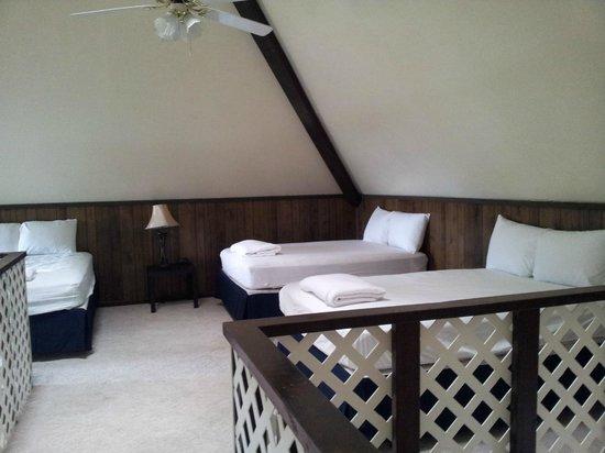 Bluff's Landing Hotel: Bedroom