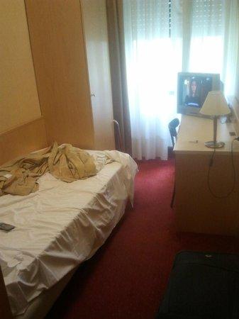 Hotel Sant'Ambroeus: camera
