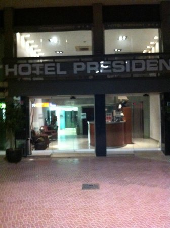 Hotel Evenia President: Ресепшн