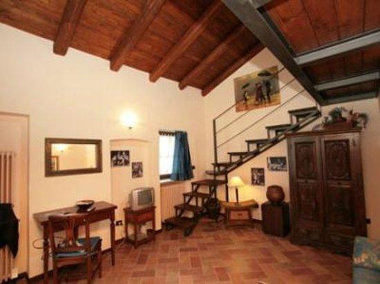 camera con soppalco - Picture of B&B Gira-Sole, Cuneo - TripAdvisor