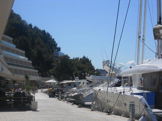 Le Meridien Lav Split: Vista da marina do Hotel 1