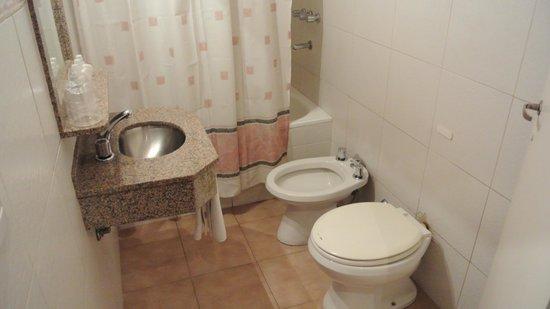 Nuevo Hotel Callao: Baño