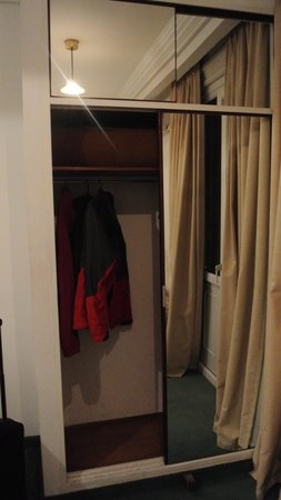 Nuevo Hotel Callao: Closet