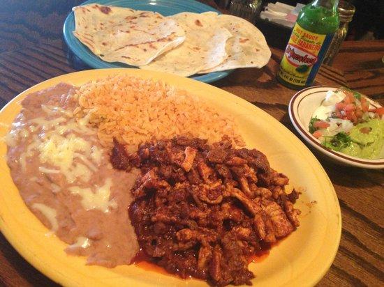 El Mariachi: Carne con chorizo - such great flavor!