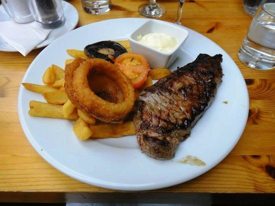 Stiffkey Red Lion: Steak and Chip - Arthur Howell's locally farmed steak!
