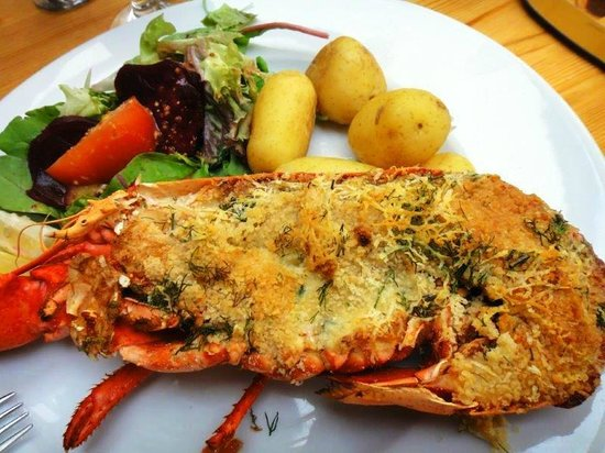 Stiffkey Red Lion: Half lobster and pots