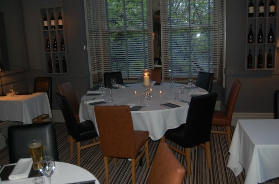 Dining room magnolia rooms picture of the regent hotel for Best restaurants with rooms yorkshire