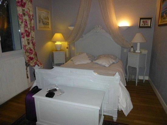 Le Jardin de Marie-Jeanne: Bedroom