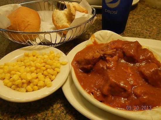 Chris's Family Restaurant : beef bourginion (sp)