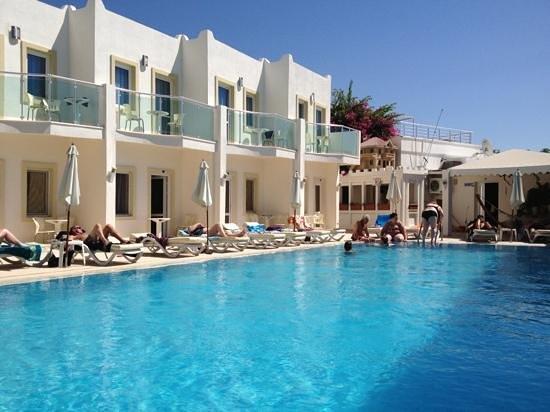 Turihan Hotel: Pool Area