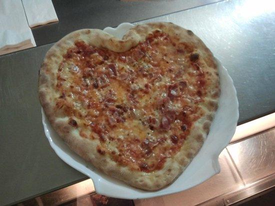 5 Star Pizzeria: Herzpizza