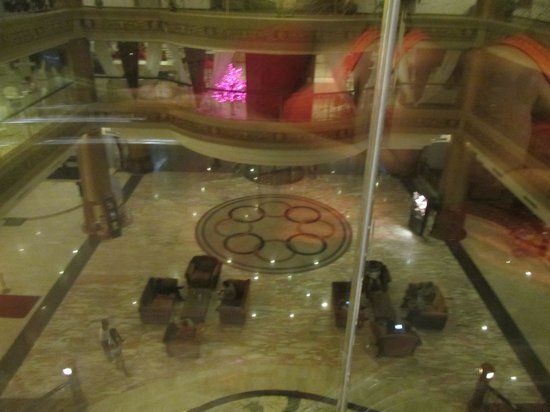 Pacific Palace Hotel: Lobby view frm the lift