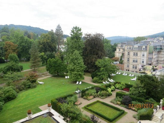 Brenners Park-Hotel & Spa: A view of the Hotel gardens from the room
