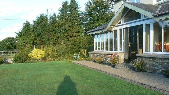 Birchwood: Ansicht b&b und kleiner Gartenbereich